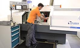 FeinwerkTechnik Geising - Kundenspezifische Antriebe Getriebebau Motoren Verzahnungen Wellen